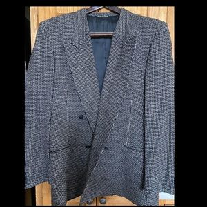 GORGEOUS suit jacket/blazer. Immaculate condition